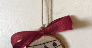 Wood Slice Ornament, String of Lights, Wood Burning, Hand Painted Ornament, Holiday Gift Tag