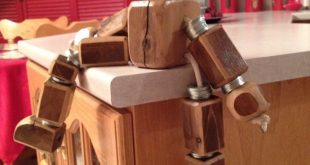 Scrap wood robot decoration for kids room #WoodWorking